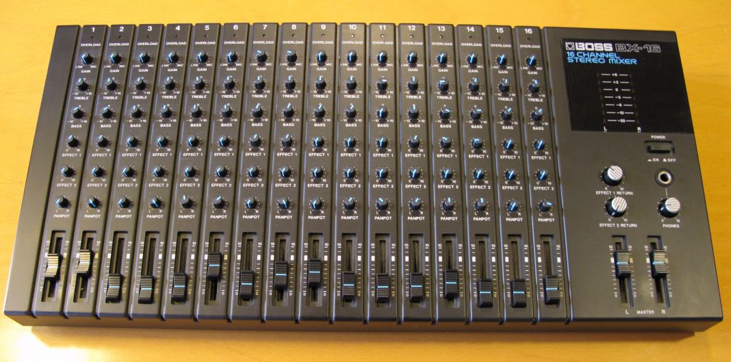 BX-16 16 Channel Stereo Mixer